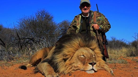 img_npalou_20191008-102242_imagenes_lv_otras_fuentes_hunting-trophy-animals-of-africa-lions-kz9-U47868843752LEE-992x558@LaVanguardia-Web